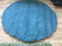 New dunelm circular rug size 133 x 133 and 2 cushions