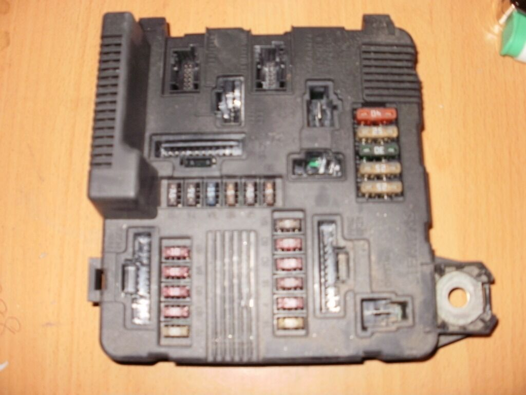 Renault Megane Headlight Fuse Box Opinions About Wiring Diagram Engine Sport In Addition Free Image For User Manual Download