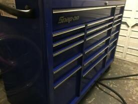 Snap on tools roll cab tool box 53 inch
