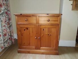 Cotswold Pine Sideboard, 2 door, 2 drawers