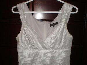 White fancy dress for woman (small size), Robe pour femme West Island Greater Montréal image 1