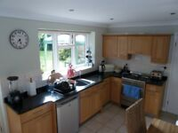 Oak Shaker Kitchen fully equipped with beautiful black granite worktop.