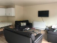 CALLING ALL STUDENTS!! MASSIVE 7 BEDROOM HOUSE 5 MINS FROM NORTHERN LINE - TOOTING BEC - £1,015pcm!!