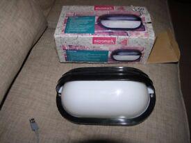 Micromart Nrew Unused Boxed Eyelid Bulkhead Light Fittingi