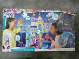 My little pony canterlot and seaquestria castle brand new boxed RRP £82 girls toy