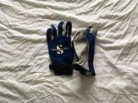 Scubapro 1mm summer diving gloves