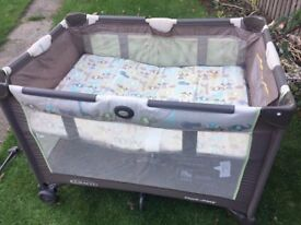 Graco Travel cot with bassinet and mobile