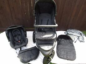 Mothercare Pram Including car seat(attaches to the pram),rain cover and footmuff excellent condition