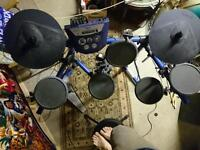 Roland TD6 electronic drum kit with kd7 kick