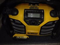 Genuine DeWALT DCR016 XR Li-Ion FM 240v Jobsite Radio AM/FM Work Site Radio