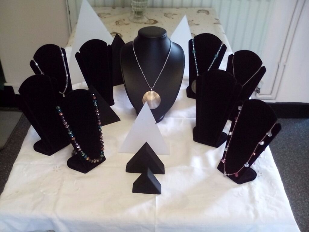 Jewellery Display Stands in excellent condition. Job Lot for budding Jewellersin Bedford, BedfordshireGumtree - Jewellery Display Stands. Great bargain. For sale white acryllic triangular display stands three sizes. Black necklace/pendant jewellery bust stand. 8 x black velvet chain display stands. 3 x triangular polyester stands ideal for displaying earrings....
