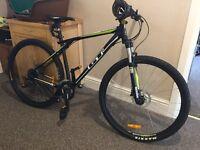 """GT Karakoram 2.0 mtb 20"""" frame 29"""" wheels bike"""