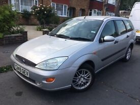 FORD FOCUS 2,0=GHIA ESTATE 2001 SILVER BLACK LEATHER