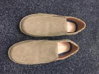 New men's shoes size 12