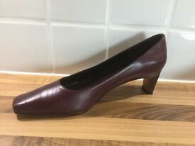 Three pairs of nearly new ladies low healed shoes size 39 1/2, English 6 1/2