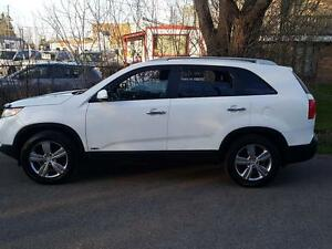 2013 Kia Sorento 4WD Leather Heated Seats,Bluetooth,$10475