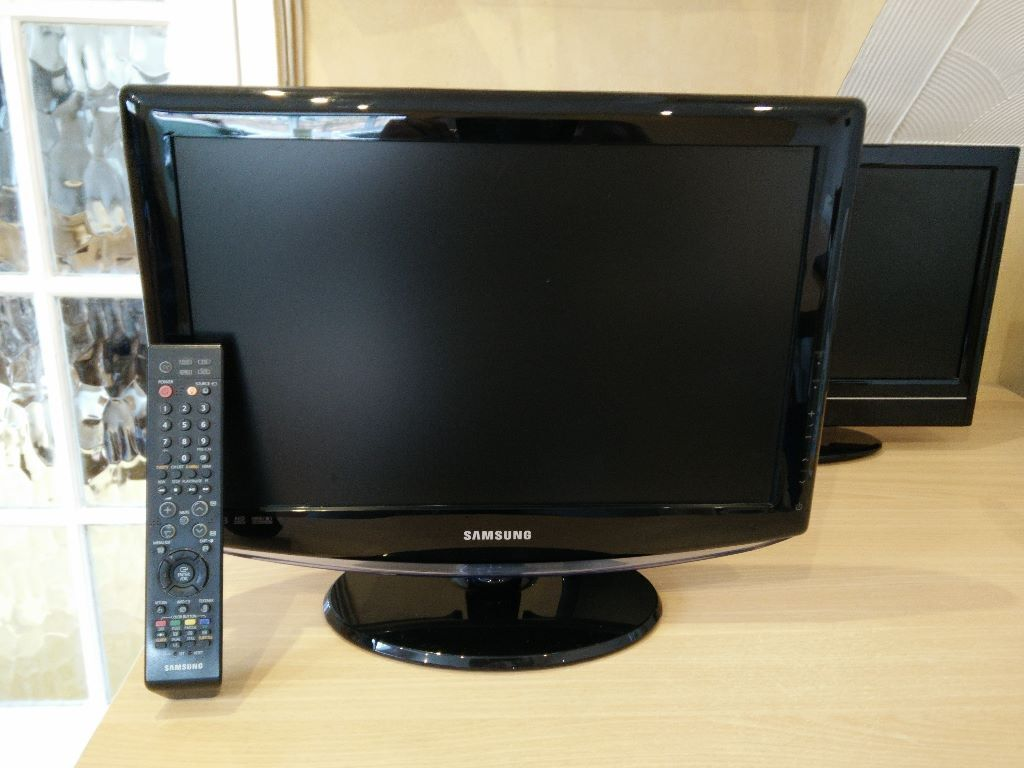 samsung 19 inch lcd tv le19r88bd freeview reduced in bexley london gumtree. Black Bedroom Furniture Sets. Home Design Ideas