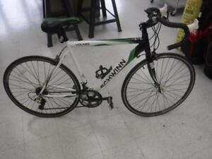 Schwinn Road Bike. WE buy/sell used bikes. 115309 Je622404