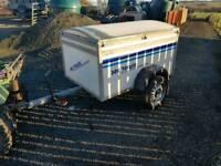 Dog treker transport trailer three triple locked doors