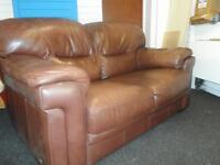 VIOLINO LEATHER SOFA TWO SEATER IN VERY EXCELLENT CLEAN CONDITION COMFY FIRM FREE DELIVER MCR NEAR