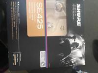 Shure se425 sound isolating ear phones / monitors
