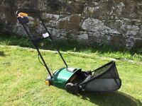 Scarifier/lawn rake. Electric.