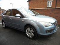 2005 ford focus ghia{mot,new glutch,mot,good value,spec}82000 miles