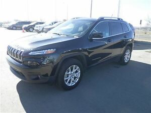 2015 Jeep Cherokee North  4X4  Bluetooth  USB & AUX  Cruise