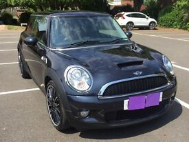 2009 Mini Cooper S 1.6l with John Cooper Works Bodykit