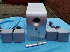 Durabrand home cinema sound system HT-391. In working condition but the centre speaker is missing.