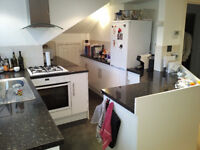 MODERN TWO BED TO RENT IN HENDON