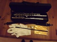 Exactly as new! Silver plated flute, complete outfit. Full size standard closed keys. Ideal starter.