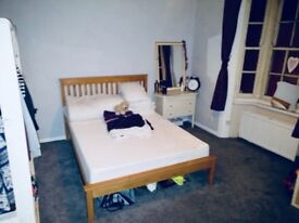 Short Term Room To Let, No Deposit Required