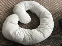 Pregnancy pillow- barely used