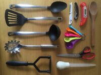 Kitchen starter kit (including Raymond Blanc 7.6L Teflon stockpot)