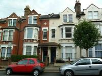 Fantastic 2 Bed Period Unfurnished Flat Perfect For Sharers Or Couples Mins Clapham Junction Station