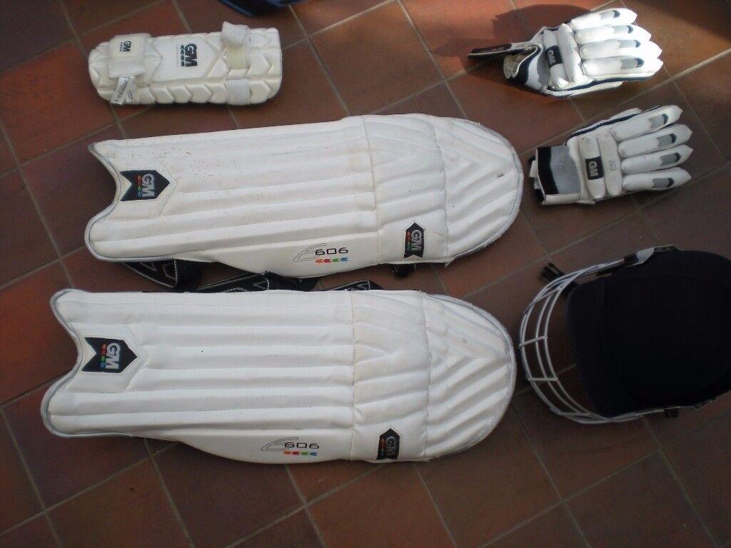 Cricket Bag, Pads, Gloves and Helmet (Senior 57-62cm)