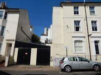 Single garage/store Close to Brighton Station to let