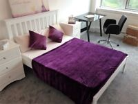 LUXURY 3 BED 2 BATH FLAT*GYM*PARKING*NO FEES*STUDENTS WELCOME