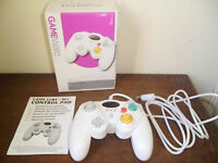 GAMECUBE Wii CONTROL PAD,NEVER BEEN USED