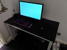 Gaming setup (PC/Monitor/Keyboard/Mouse/Headset/Mousepad)