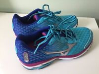 Mizuno Wave Rider 18 Women running shoes