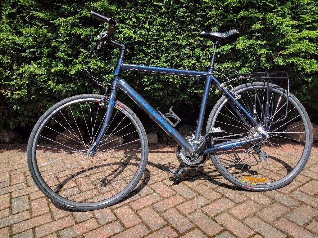 Viventi Novara commuting hybrid bike with pannier rack