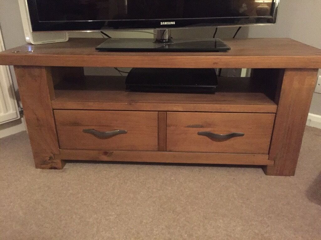 Next Hartford range TV standin Caversham, BerkshireGumtree - Next Hartford range solid pine TV stand Measuring 115 cm in width, 45cm in depth and 48cm in height Only a year old, great condition Not sure it can be bought anymore from next but was originally £200.00 odd