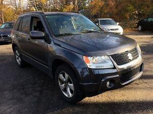2010 Suzuki Grand Vitara JLX | 2.4 4x4 | ROOF | HEATED SEATS Kitchener / Waterloo Kitchener Area image 4