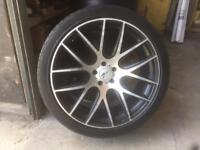 22in Onyx wheel