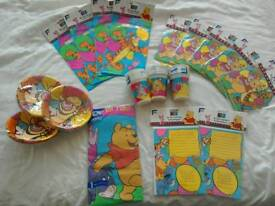 Winnie the pooh and Tigger party set