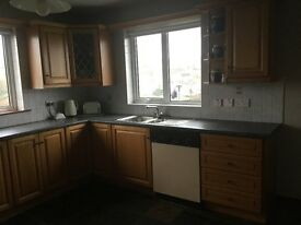 Solid oak kitchen incl. oven, gas hob, extractor fan. Available for collection 27th March.