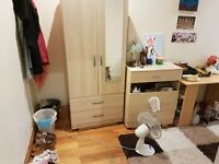 BIG SINGLE ROOM  TO RENT - ZONE 2  Hackny Clapton AVALIABE NAU
