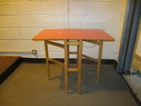 SMALL VINTAGE RED FORMICA TOP SPRING ACTION GATE LEG KITCHEN TABLE DINING TABLE FREE DELIVERY
